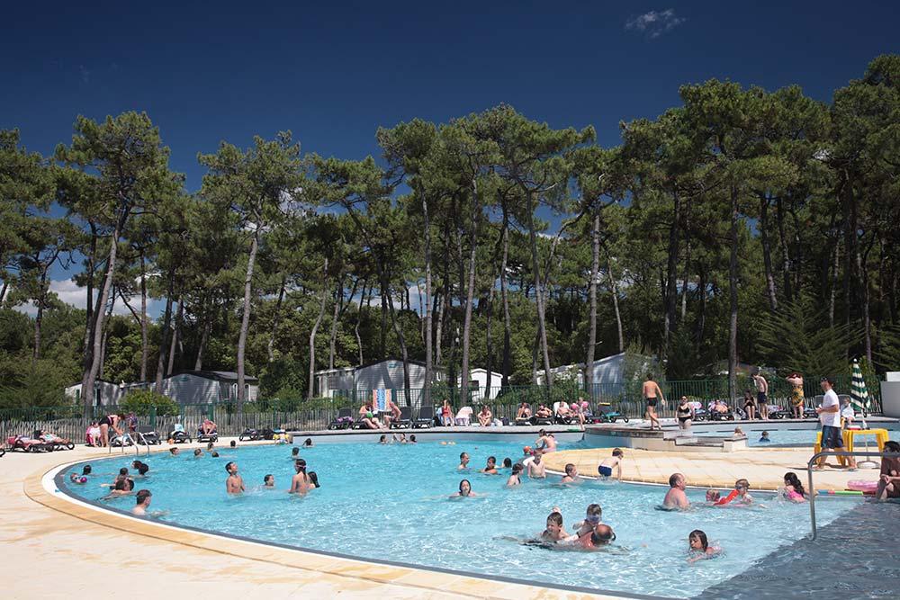 la piscine du camping Près de St Gilles Croix de Vie