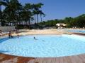 Location en camping avec piscine extérieure