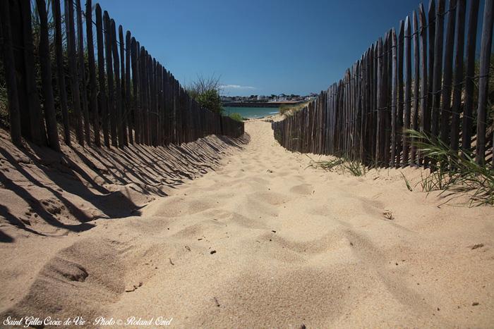 Profitez de l'accès plage et de Saint Gilles Croix de Vie en séjournant dans ce camping pas cher