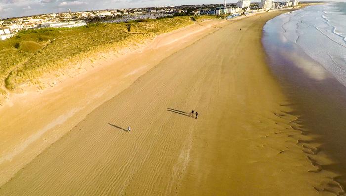 Pour être proche de la plage et de Saint Gilles Croix de Vie, réservez une location de mobil home